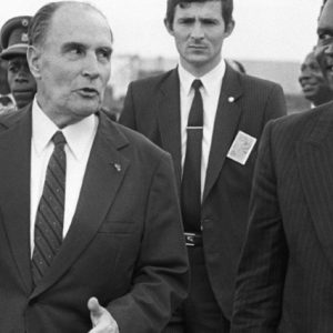 Les erreurs irréductibles de la politique Française en Afrique, De Mitterrand à Macron, la perfidie continue