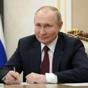 """Vladimir Poutine traité de """"tueur"""" par Joe Biden : il réplique… avec humour !"""
