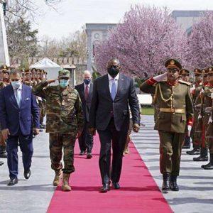 """Afghanistan : le retrait des derniers soldats américains d'ici le 1er mai sera """"difficile"""""""