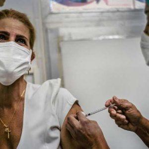 Covid-19: Cuba lance la vaccination de ses soignants avec son vaccin Soberana 2