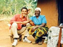 "Barack salue la mémoire de sa ""mamie"" kényane Sarah Obama"