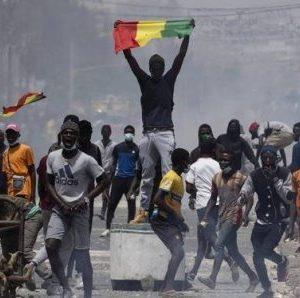 Émeutes au Sénégal : Une commission d'enquête lancée, Ousmane Sonko déjà visé