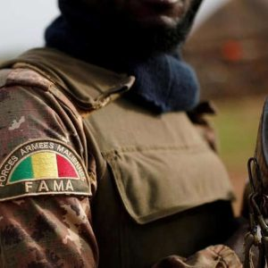 L'armée malienne doit-elle quitter Farabougou ou y rester?