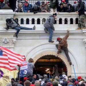 États-Unis. Après l'assaut du Capitole, un rapport critique la police