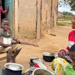 RDC: suite aux violences, les déplacés occupent des écoles à Beni