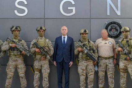 En Tunisie, le coup de force du président fait craindre un recul des libertés